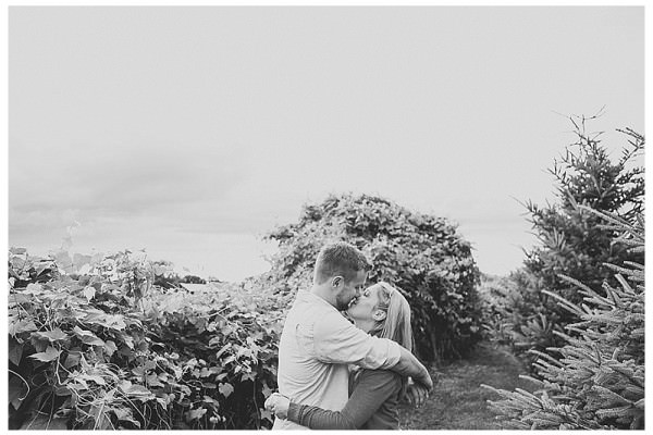 Bloomfield Gardens Engagement Session