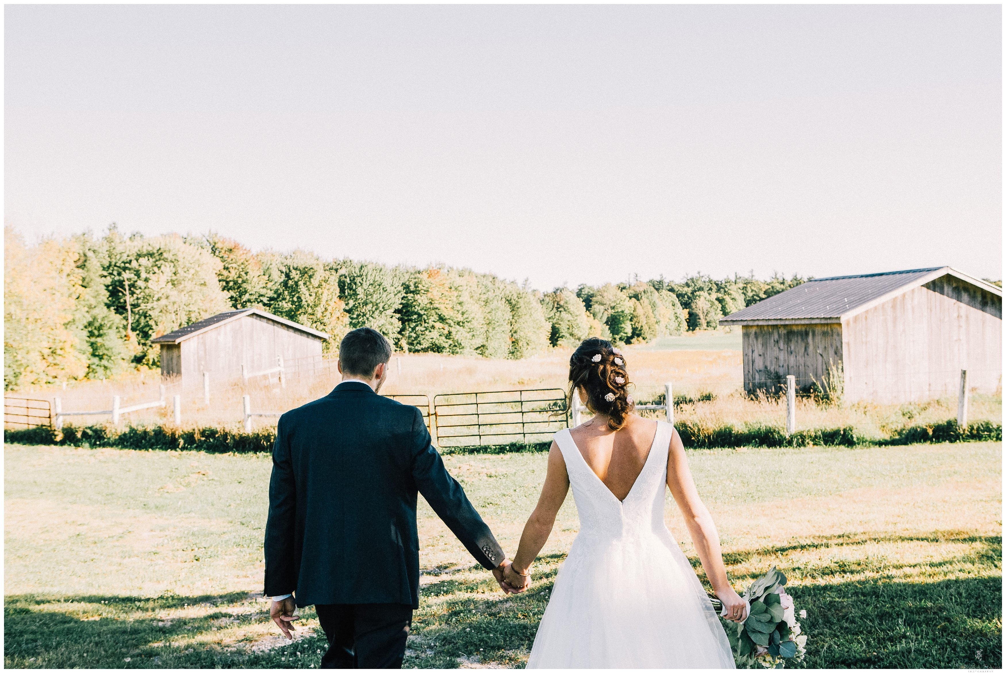 Ontario Barn Wedding_2192.jpg