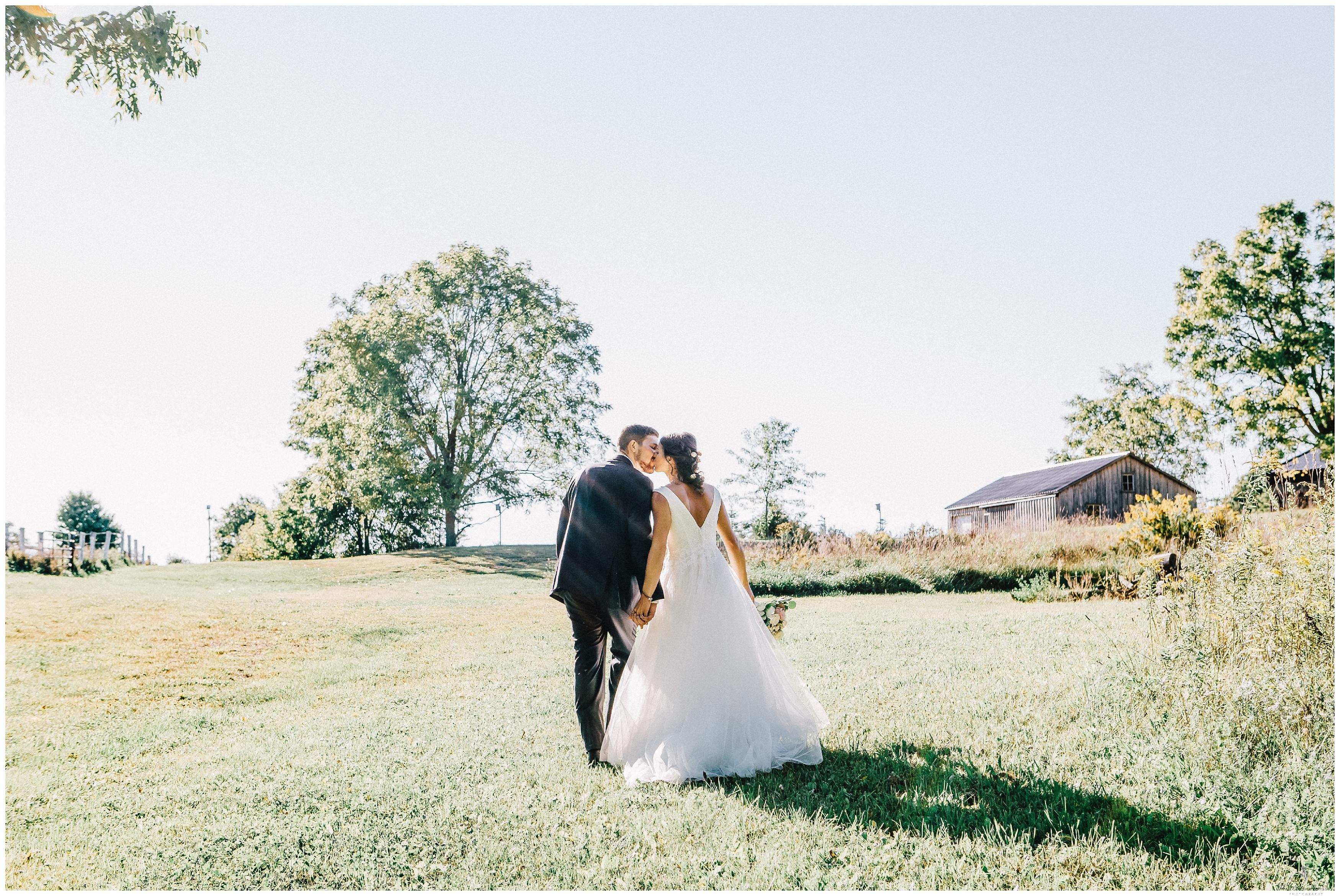 Ontario Barn Wedding_2200.jpg
