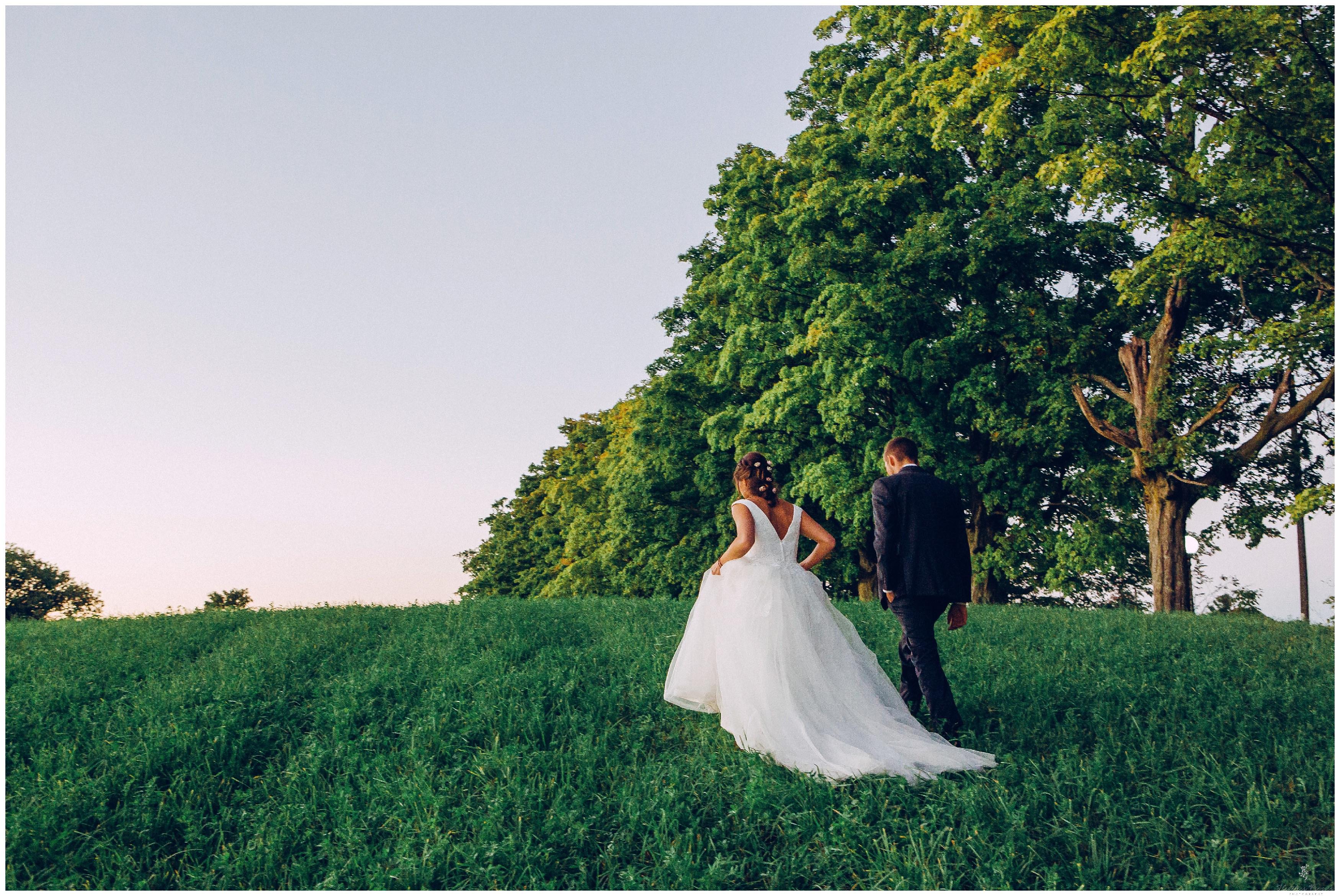 Ontario Barn Wedding_2270.jpg