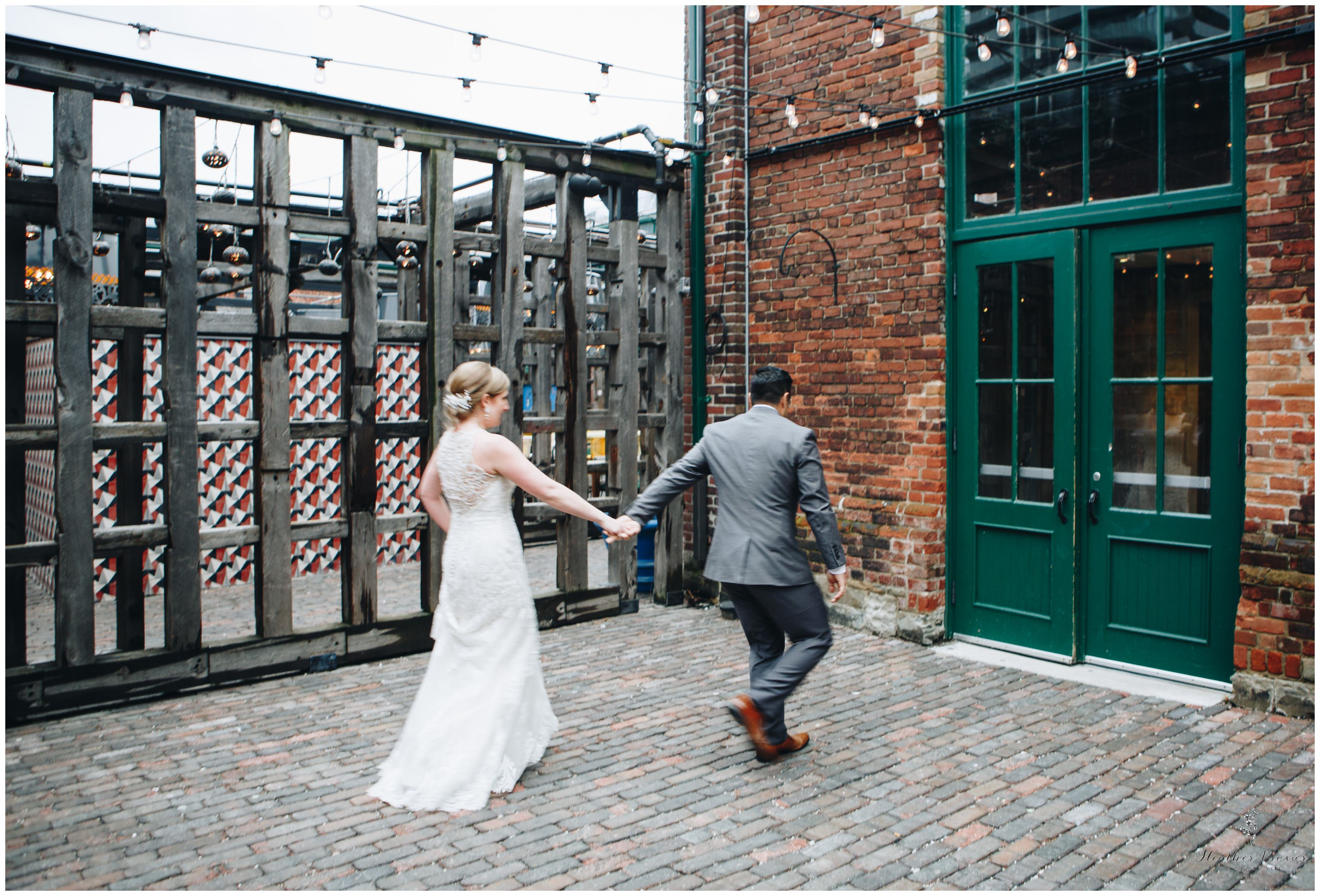 Toronto Distillery District Wedding_2580.jpg