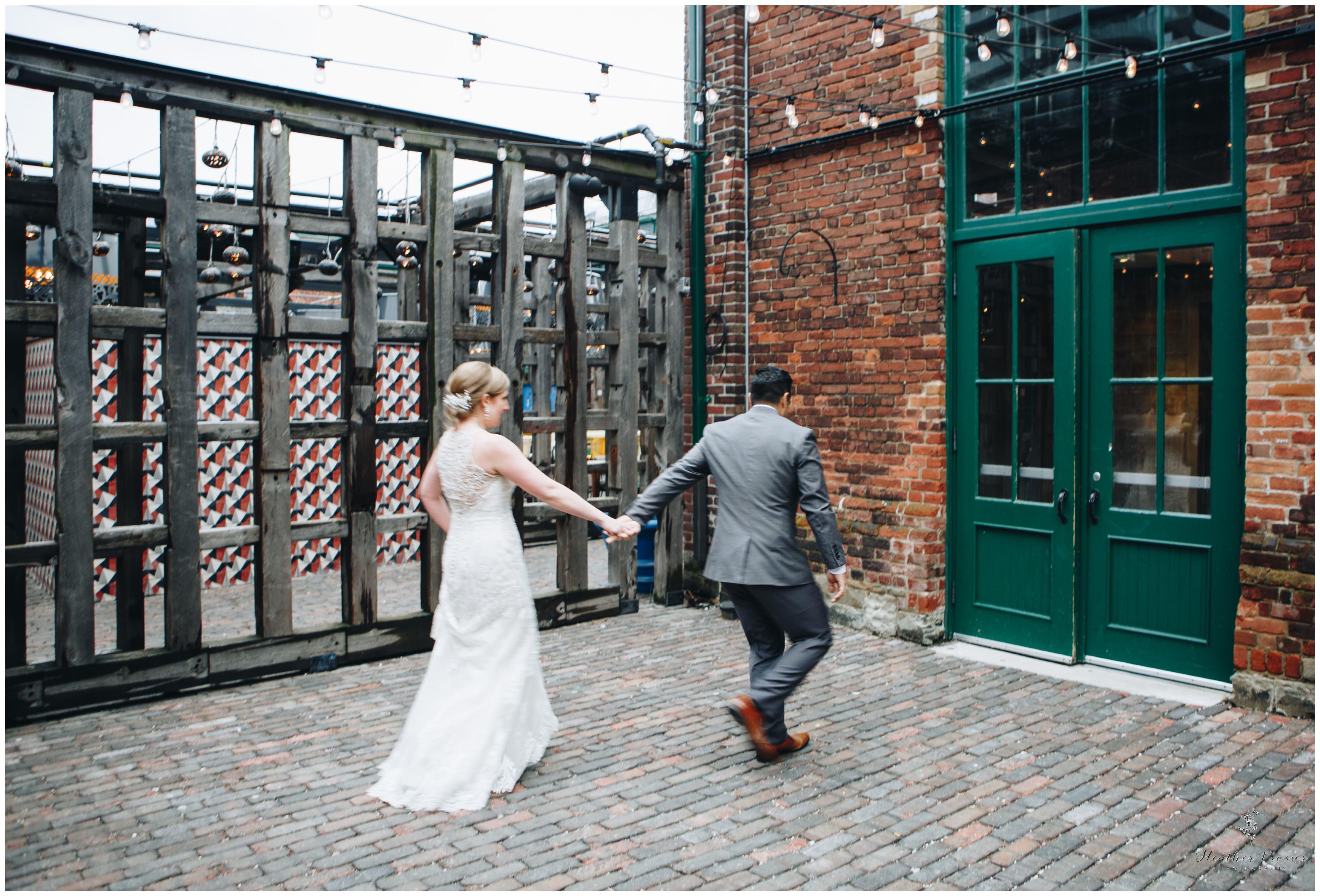 Toronto Distillery District Wedding_2580.jpg